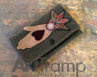 Mother's Heart In Hand ~ Tablet or Project Pouch ~ WOOL APPLIQUÉ Instructions & Templates