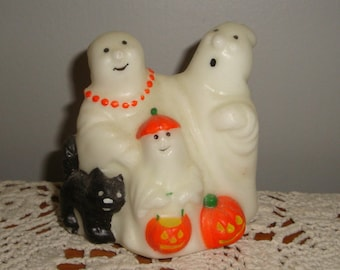 Avon Ghostly Glow Figure, Green Glow In Dark Trick or Treaters, Gift Collection, Ghosts, Pumpkins, Black Cat, Unscented Wax, No. 1 (283-15)