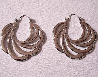 Avon Sweeping Swirls Hoops Pierced Earrings Silver or Gold Tone Vintage Open Rib Scallop Edges Graduated Flat Wide Band