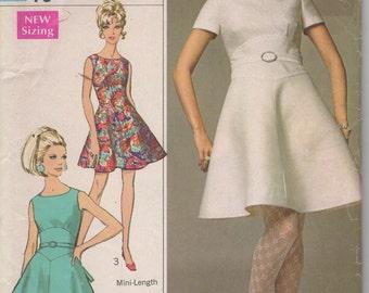 Bust 32 1/2-1968 Misses' Dress Designer Fashion Simplicity 7574 Size 10