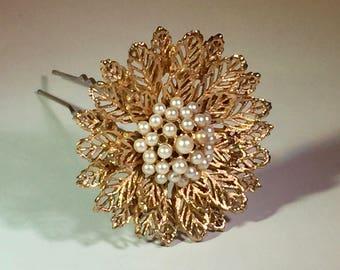 Vintage 1950's Gold flower Hair Pin