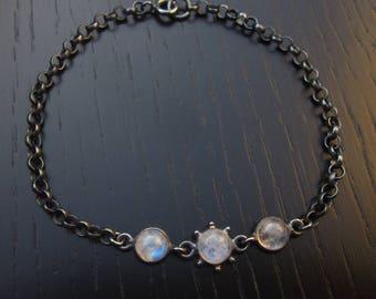 Rainbow moonstone bracelet, oxidized sterling silver thick chain bracelet, minimal gemstone link bracelet, modern white stone stack armband