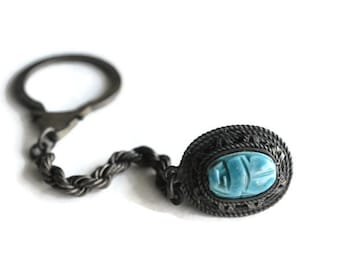 Vintage keychain with turquoise stone