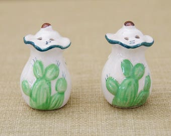 Vintage Salt and Pepper, cactus salt and pepper, green cactus
