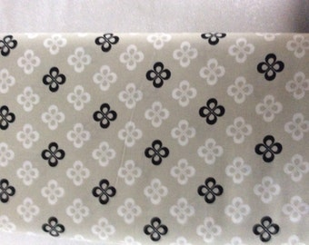 Cotton and Steel Black & White  Collection 1yd - Clover 5065-001
