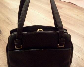 vintage Margolin purse  60's vintage bag  globetrotter black leather bag  top snap-closure   double straps   USA