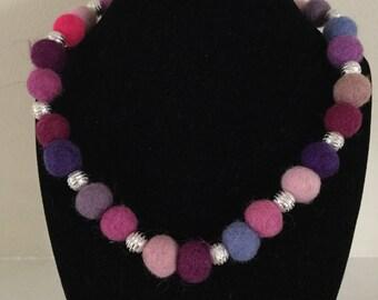 Felt bead choker (pinks)