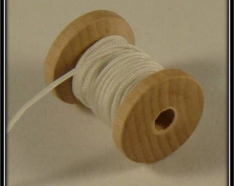 5 meters of nylon thread 1 mm white color