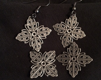 Filagree Tile Earrings: Pewter Tiles
