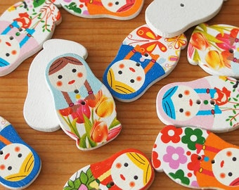 Russian Doll Floral Pattern Wood Button with Sewing Holes – Multicolor Width 18mm – Country Nursery Children Knit Scrapbook Craft DIY