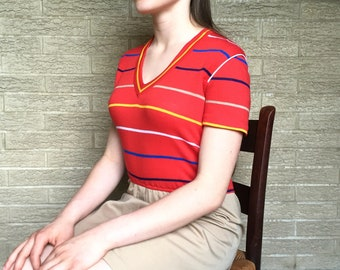 Vintage summer Go To, Dress-khaki/red cotton jersey/natural cinched high waist/ mid upper leg mini length/  small to medium