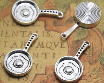 10pcs Frying Pan Charms Silver tone 3D Frying Pans Pots With Poached Eggs Cooking Charm Pendant 32x17mm ASD1723