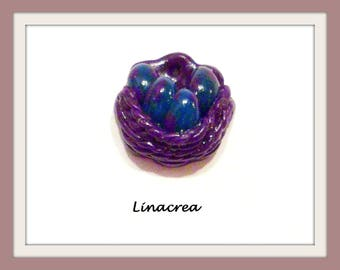 1 x charm basket and eggs in polymer clay purple, Green 20 mm