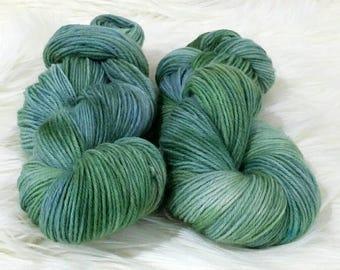 5ply/Sport Weight  Peruvian Highland Wool approx. 100g/250m per skein.