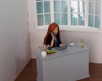 desk 1/6 for Barbie dolls, Blythes, fashion royalty, pullip, hot toys or the same size