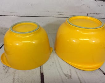 2 Vintage Rosti Yellow Melamine Mixing Bowls with Spout 2505
