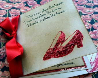 70 Wizard of Oz Invitations/ Vintage Style with Glitter and Envelope/ 4 x 4 Size/ Personalized/ Ribbon Choice