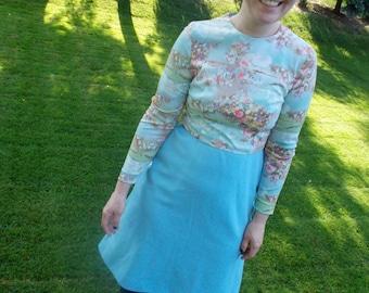 Jahrgang 1970er Jahre ätherischen Pastell Kleid / / Polyester lange Hülse Tageskleid / / mittlere große / / Back to School Herbstmode