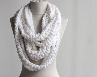 Bulky scarf White infinity chain scarf crochet circle scarf neckwarmer in snow white