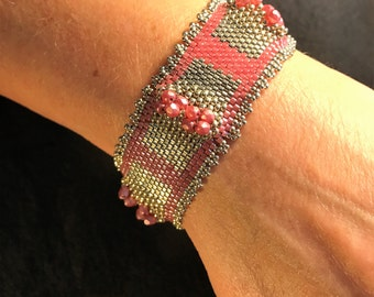 168 Hand Beaded Crystal and Glass Bracelet