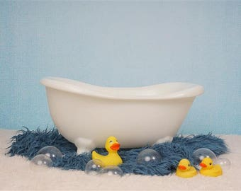 Digital Sitter Backdrop Bathtub with Bubbles and ducks. One of a kind Easy to use Prop!