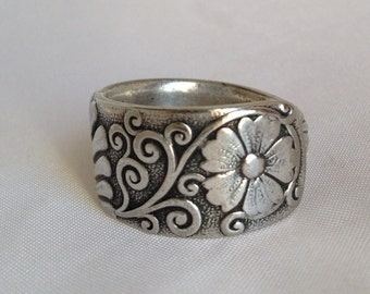 """Spoon Ring """"Daisy"""" 1892 Silverware Jewelry Vintage Silverplate Size 5 to 12 Choose Your Size"""