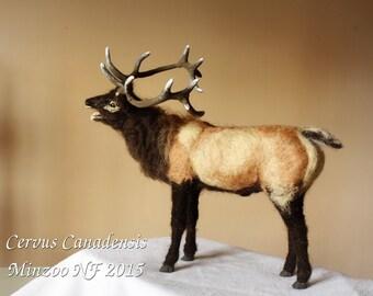 Needle felting Deer, felted animal, Elk Wapiti, deer decor, felted deer sculpture, animal soft doll