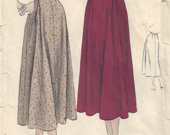 1940s Loosely Pleated A Line Skirt Side Zipper Mid Calf Midi Elegant Classic Flowing Vogue 6819 Waist 26 Hip 35