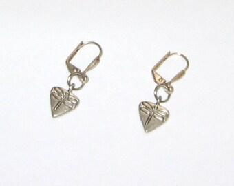 Pretty Little Antique Silver Pewter Dragonfly Teardrop Leverback Earrings