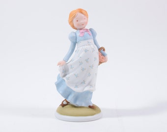 Vintage Holly Hobbie Figurine - Walking in the Meadow with Basket ~ The Pink Room ~ 160930