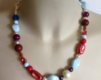 Necklace - pretty plastic beaded necklace pink blue
