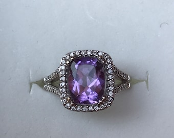 18 k white gold Anilllo with diamonds and amethyst