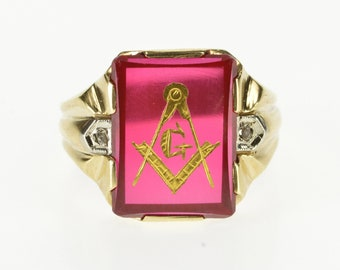 10K Retro Etched Masonic Compass Square Syn. Ruby Ring Size 9.5 Yellow Gold