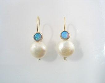 Elegante Ohrringe - baumelt oder Gestüt Ohrringe mit Perle und Granat oder Lab Opal set in gold