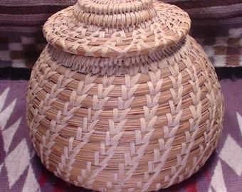Native American Papago Tohono O'odham Hand Woven Beargrass Basket 9 X 7 1/2 Inches