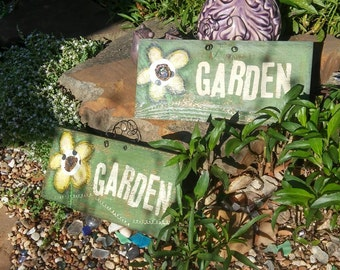 Hand painted GaRdEn SiGn