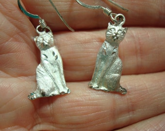 1995 925 Silver Diamond Etched Cat Earrings.