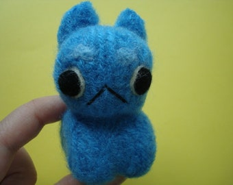Upcycled – Needle felted derpy blue cat small sculpture