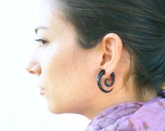 Fake Gauges Earrings Horn Earrings Black  Spiral Tribal Earrings - Gauges Plugs Bone Horn - FG009 H