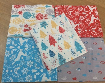 Bauble & Tree Xmas 100% Cotton Fabric - Free UK Shipping - Fat Quarter Bundle of 5 Fabrics - Ideal for Craft/Quilting/Patchwork/Sewing
