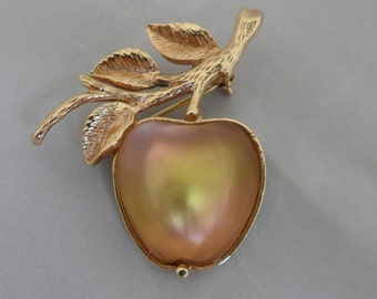 Golden Apple Broach Sarah Coventry Apple Brooch Frosted Glass Brooch Jelly Belly Brooch Sarah Cov Brooch Apple Teacher Gift Apple Jewelry
