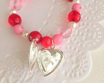 Heart locket, kids bracelet, beaded bracelet, stretchy elastic jewelry, pink, red, valentines day, heart jewelry, kids jewelry.