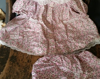 Vintage Baby Dress with Matching Bloomers/100% Cotton/Lace Trimmed/Flower Embroidery on Collar/Baby Dress/Size 12 Months/1990s Baby Dress