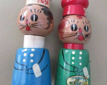 Vintage  1960s Squeaking Salty and Peppy  Chefs Cat Kitties  wood salt pepper  Souvenir  NB Canada Magnetic Hill
