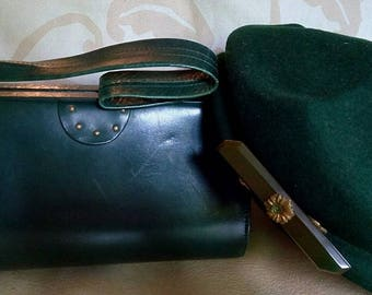 adorable little green bag leather year 1950 s!