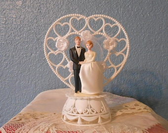 Vintage wedding cake topper, Bride and groom, Bridal shower, Anniversary cake topper, Retro weddings, Kitschy weddings, Props, Staging