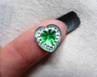 Cabochon 12mm heart silver rhinestone green diamond x 1
