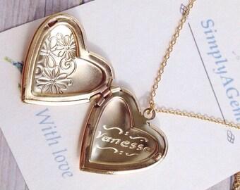 Heart Locket / Name Necklace Engraved Heart Locket / Mother of the Bride Locket / Bridesmaid Locket / Sister Necklace