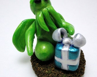 Itty Bitty Cthulhu with Gift