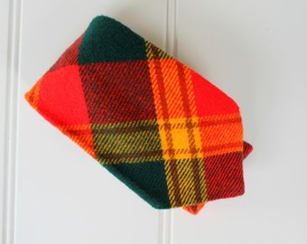 Vintage Plaid Tie - Tartan Plaid - Red Green Yellow Tan - Prince Consort - Golden Clasp - Wool - 1960s